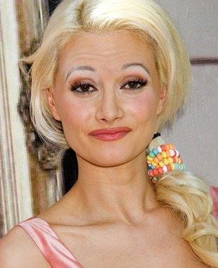 Holly Madison w słabym makijażu (FOTO)