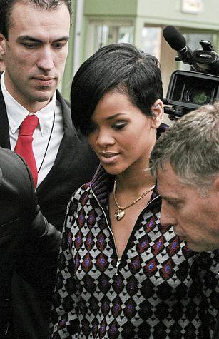 Rihanna ma problemy z cerą (FOTO)