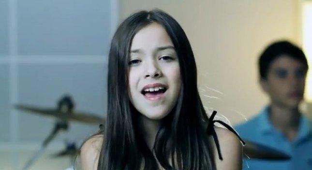 10-letnia Angie Vazquez śpiewa Adele [VIDEO]