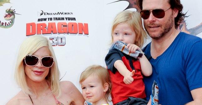 Tori Spelling z całą rodzinką (FOTO)