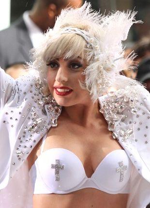 Lady Gaga jeszcze ostrzejsza niż zwykle (FOTO)