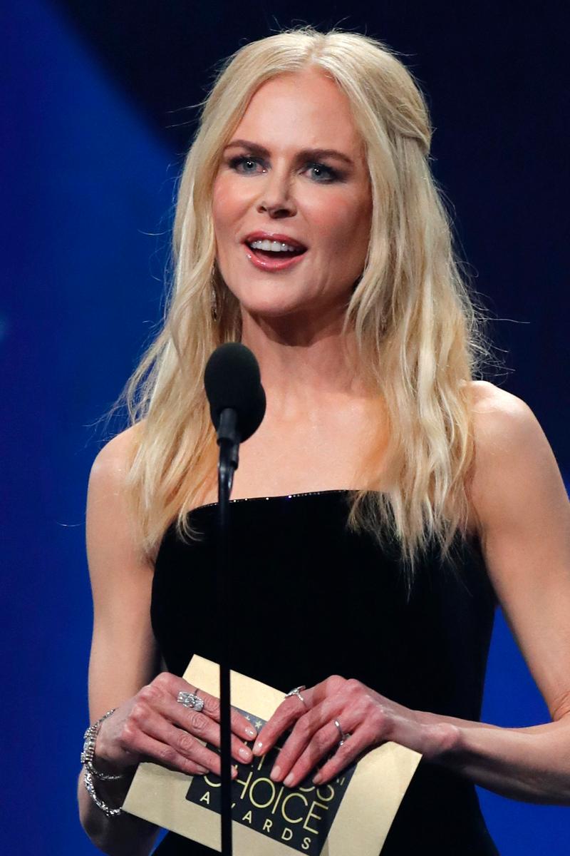 Fatalna stylizacja Nicole Kidman na gali Critics Choice. Stylista jej nie lubi