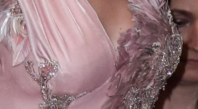 Taylor Swift w stroju bogini pokazała KROCZĘ!