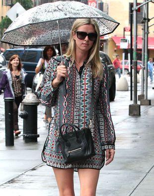 Deszczowy look Nicky Hilton (FOTO)