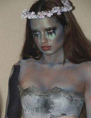 Adriana Lima nie musi szukać kostiumu na Halloween (FOTO)