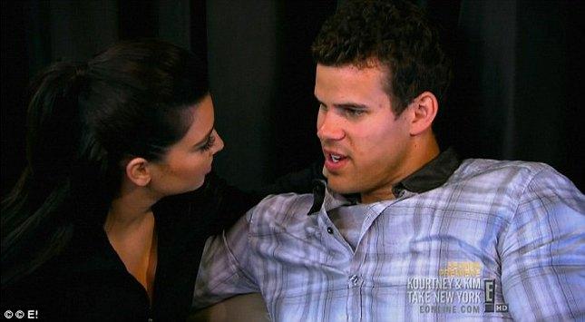 Kris wściekły na Kim za nagiego jogina (FOTO)