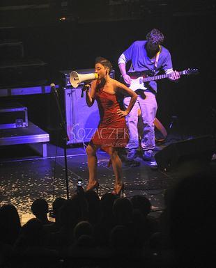 Maria Peszek w majtkach na scenie (FOTO)