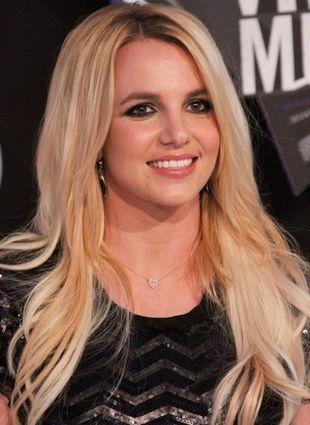 Britney Spears pokazuje okładkę nowego singla (FOTO)