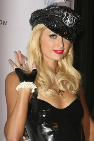 Lateksowa Paris Hilton