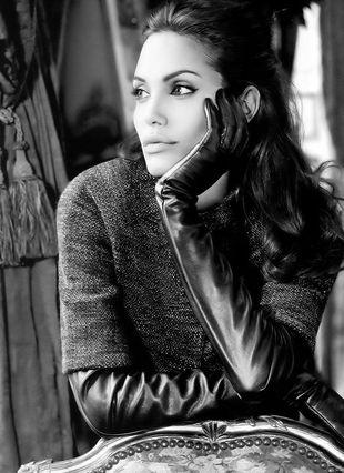 Dlaczego St.John zakończył współpracę z Angeliną Jolie?