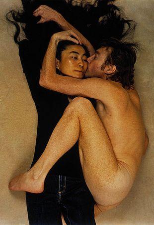 Sean Lennon imituje fotografię ojca... (FOTO)