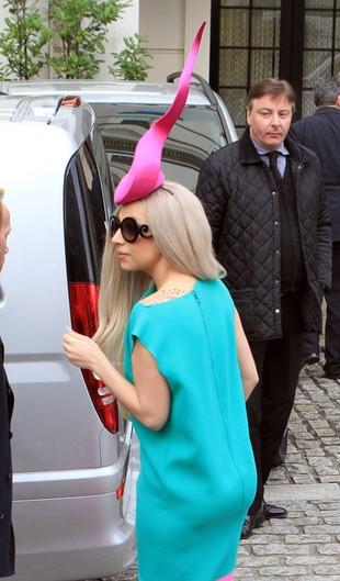 Lady Gaga: Moje perfumy pachną jak droga dzi*ka!