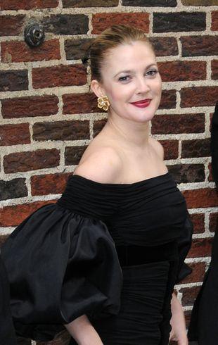 Kogo tak namiętnie całuje Drew Barrymore? (FOTO)