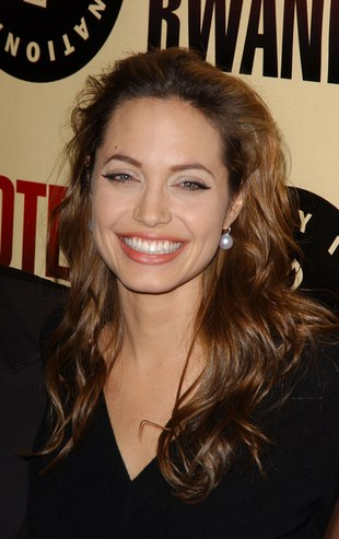 Angelina Jolie stara się być eko