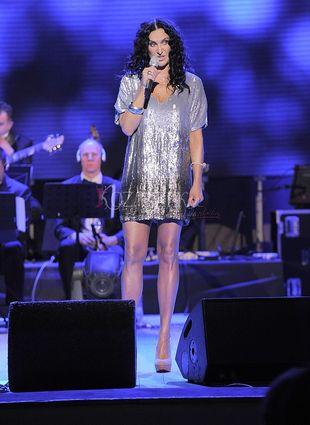 Seksowne nogi polskiej piosenkarki (FOTO)