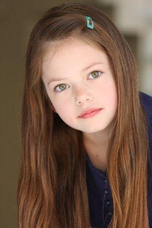 Mackenzie Foy - dziewczynka, która zagra Renesme! (FOTO)