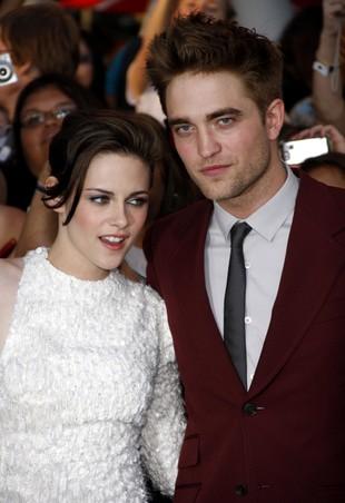 Całujący się Pattinson i Stewart [VIDEO]