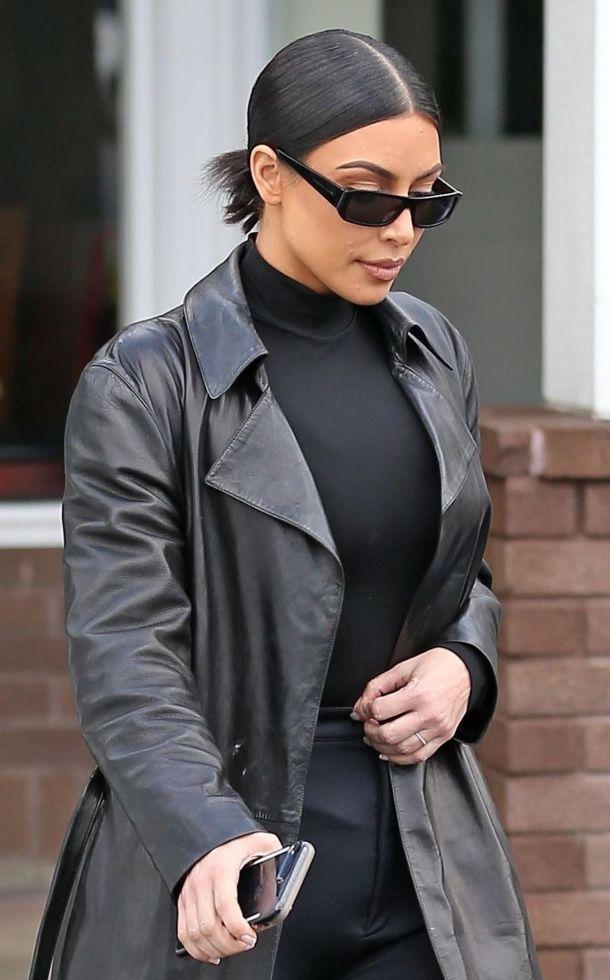 Kim Kardashian jest zdesperowana - łuszczyca zaatakowała jej twarz