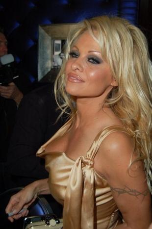 Pamela Anderson nie chce założyć majtek!