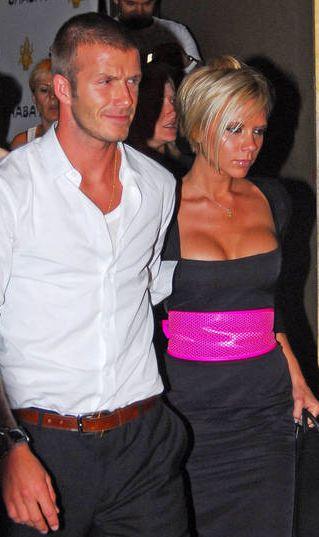 Victoria Beckham miała aż trzy operacje piersi?