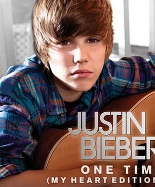 Justin Bieber nie lubi dziewczyn z tapetą