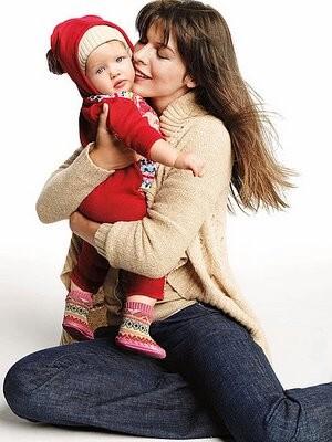 Milla Jovovich z córeczką w reklamie