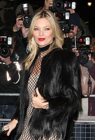 Kate Moss na British Fashion Awards (FOTO)
