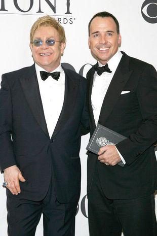 Elton John chce adoptować, ale Ukraina nie odda dziecka