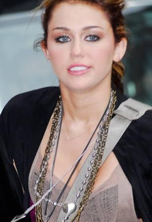 Czy to najtrafniejsza parodia Miley Cyrus? (VIDEO)