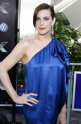 Piękna Liv Tyler na premierze Hulka (FOTO)