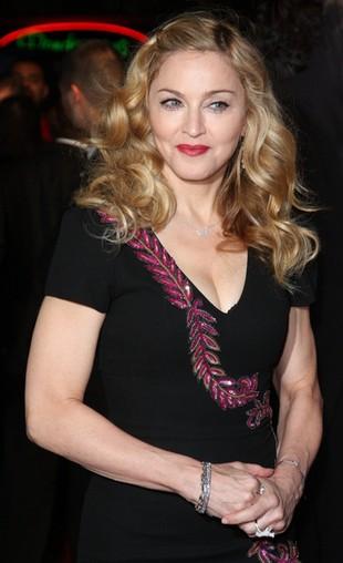 Jak Madonna doręcza swoje perfumy? (FOTO)