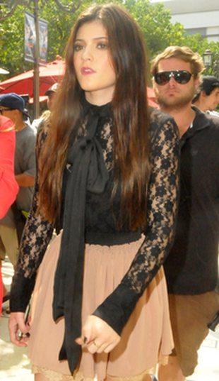 Kylie Jenner – celebrytka pełną gębą (FOTO)