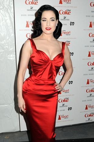 Idealna modelka dla czerwonej sukienki? (FOTO)