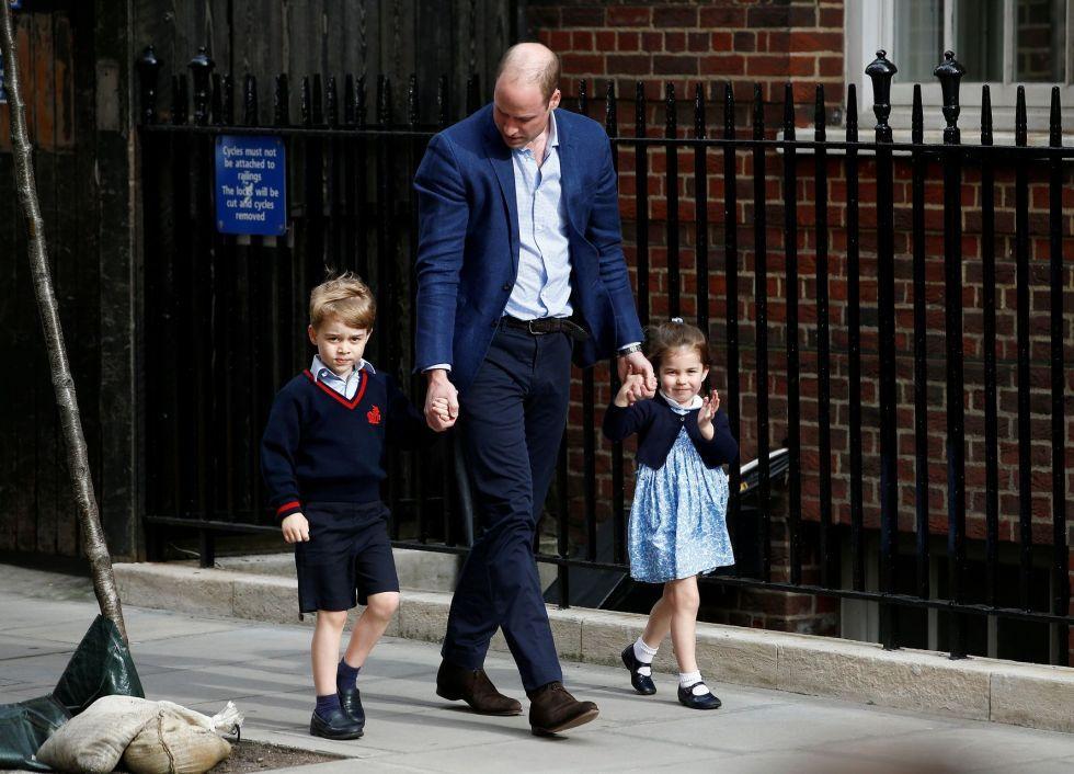 Charlotte i George TAK nazywają tatę, gdy czegoś chcą!