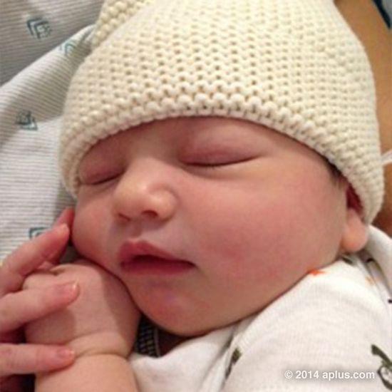 Ashton Kutcher pokazał zdjęcie córeczki! (FOTO)