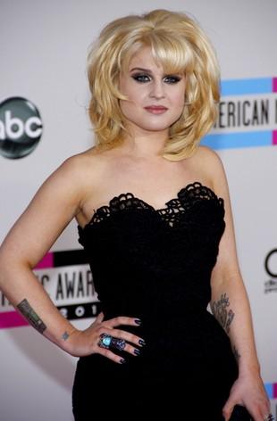 Kelly Osbourne przebrała się za Miley Cyrus (FOTO)