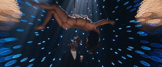 Dakota Johnson już pokazała, co potrafi (VIDEO)