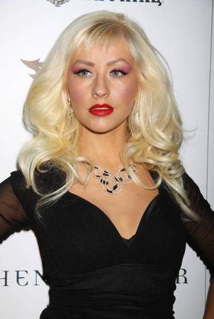 Christina Aguilera baluje topless