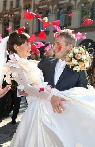 Zobacz ślub w serialu Majka! (FOTO)