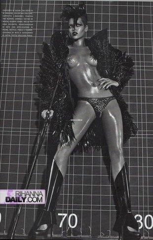 Rihanna przepraszała mamę za swoje nagie zdjęcia