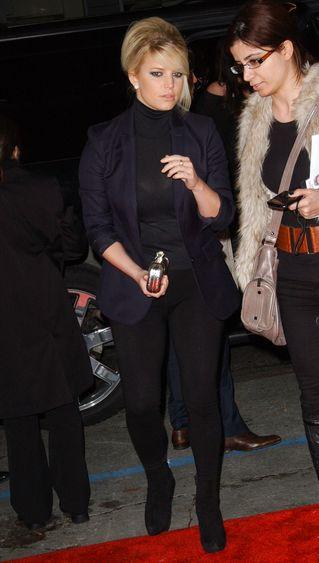 Jessica Simpson nie ma faceta, ma kilogramy (FOTO)