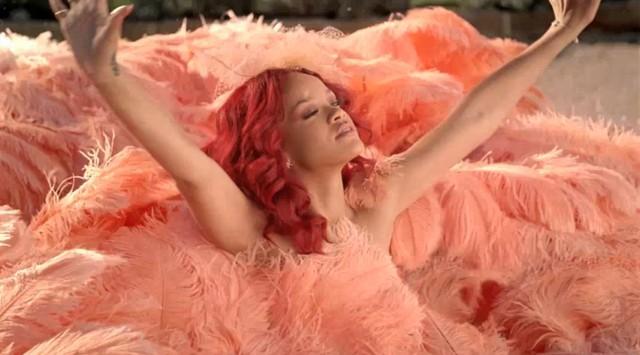 Dwie twarze Rihanny w reklamie jej perfum (VIDEO)
