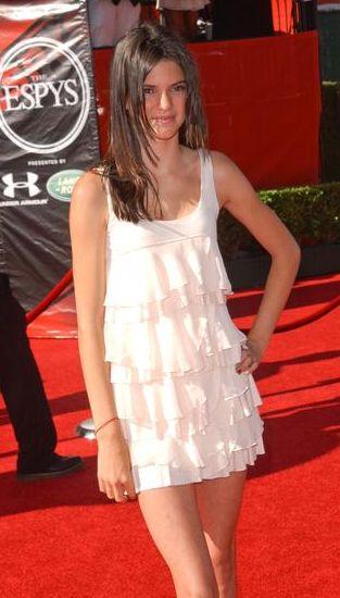 Kendall (siostra Kim Kardashian) jest kiepską modelką?