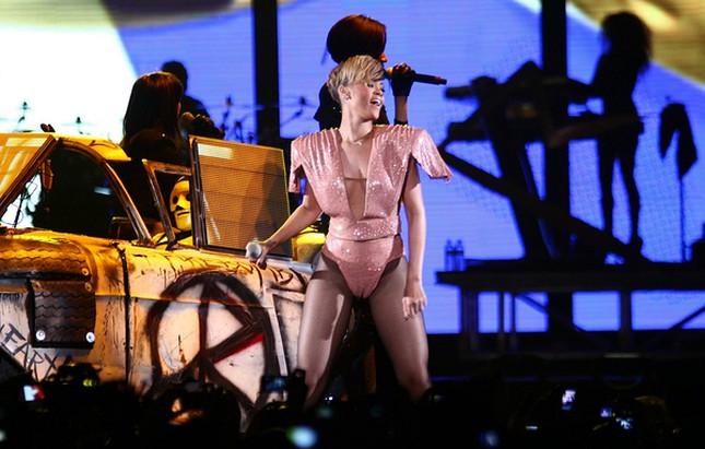 Rihanna miała miesiączkę? (FOTO)