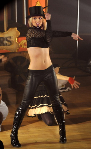 Britney Spears prosi inne gwiazdy o pomoc