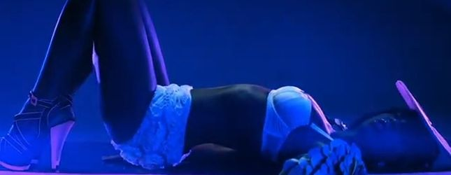 Kolejny seksowny klip Rowland – Down For Whatever [VIDEO]