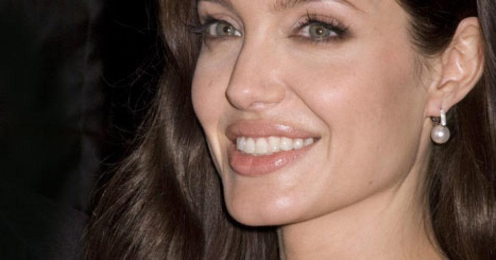 Angelina Jolie Ma Tatuaż W Intymnym Miejscu Kozaczek