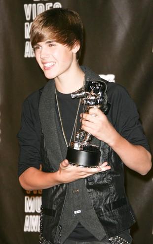 Lakier do paznokci zainspirowany przez Justina Biebera