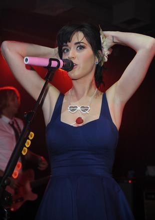 Katy Perry i jej spadająca sukienka