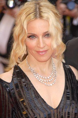 Madonna chce kontrolować dzieci nawet, gdy jej nie ma